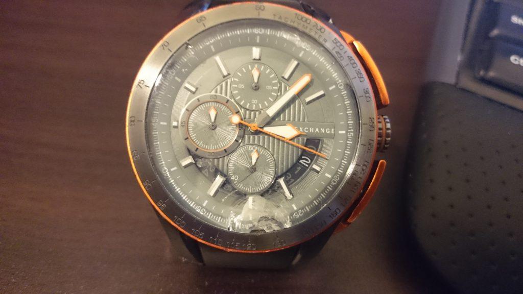 割れた時計