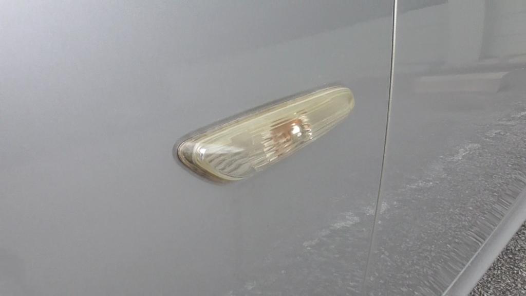 シュアラスター「ゼロリバイブ」で磨く前のウィンカー
